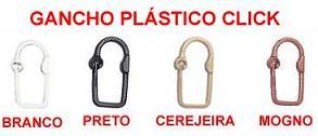 Acessorios para cortinas em madeira e plastico for Ganchos plasticos para cortinas